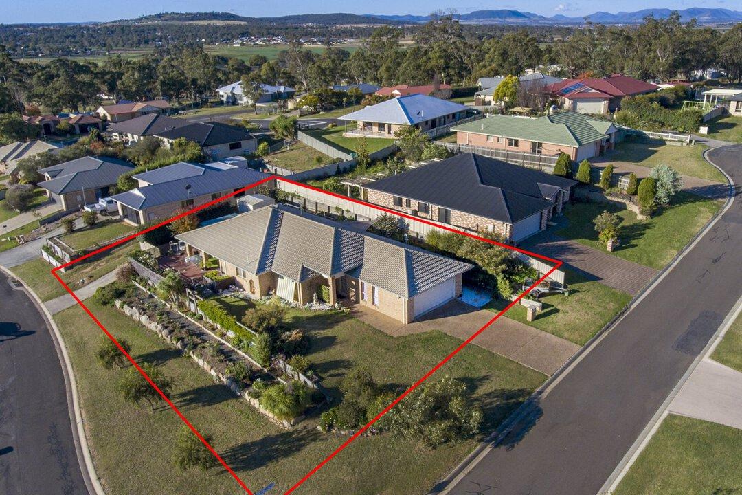 Image of property at 2 Tea Tree Rise, Warwick QLD 4370