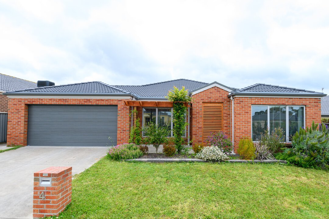 Image of property at 4 Hereford Close, Delacombe VIC 3356
