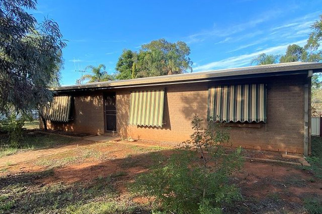 Image of property at 28 Woodiwiss Avenue, Cobar NSW 2835