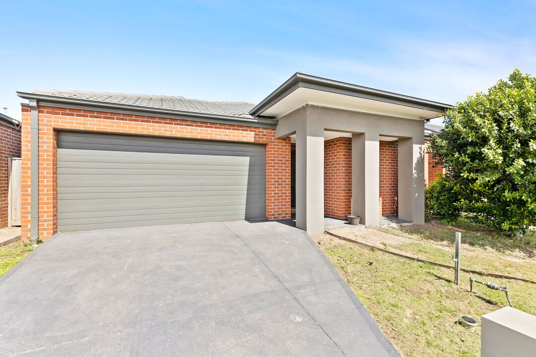 Image of property at 14 Ostend Crescent, Point Cook VIC 3030